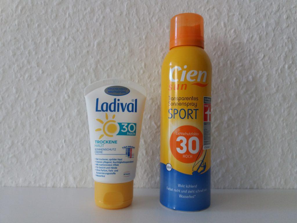 Protetor solar para o rosto e protetor solar para o corpo.