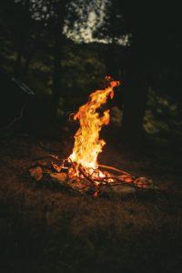 Acender a fogueira de Páscoa (Osterfeuer)